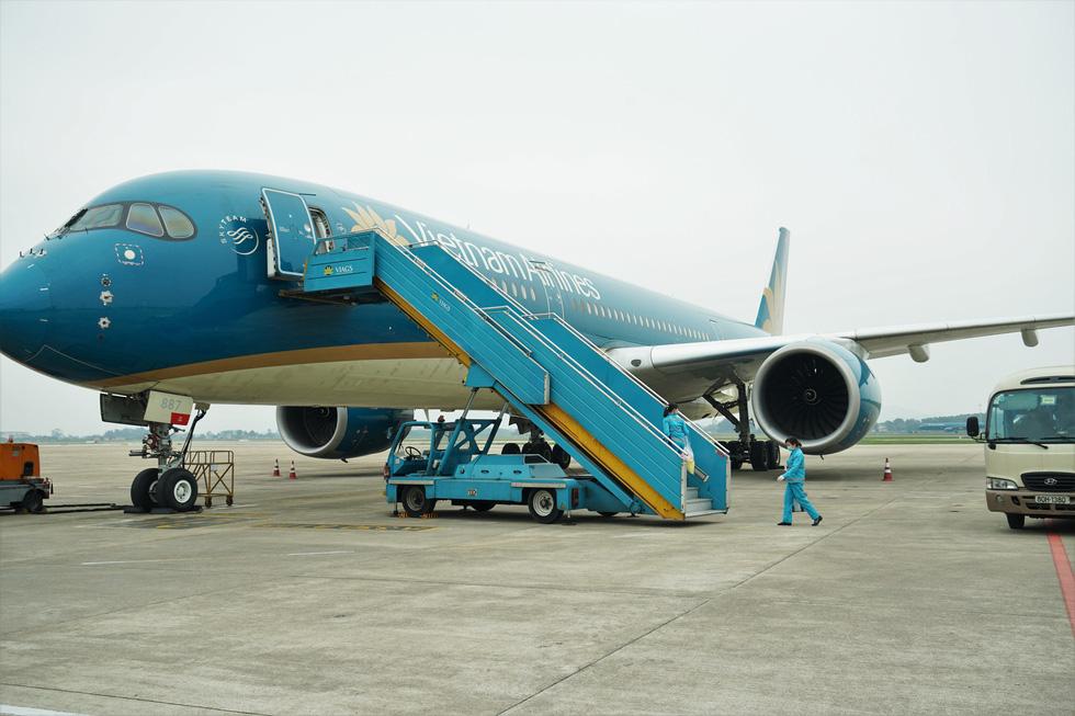 Sân bay giảm giá một loạt thuế phí 'giải cứu' các hãng hàng không - Ảnh 1.
