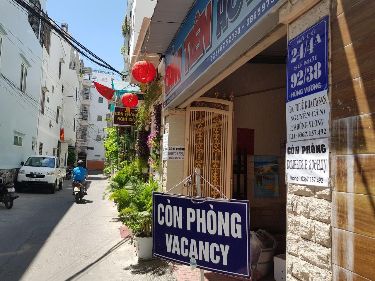 Nha Trang: Hàng loạt khách sạn rao bán, tạm ngừng hoạt động vì Covid-19 - Ảnh 10.