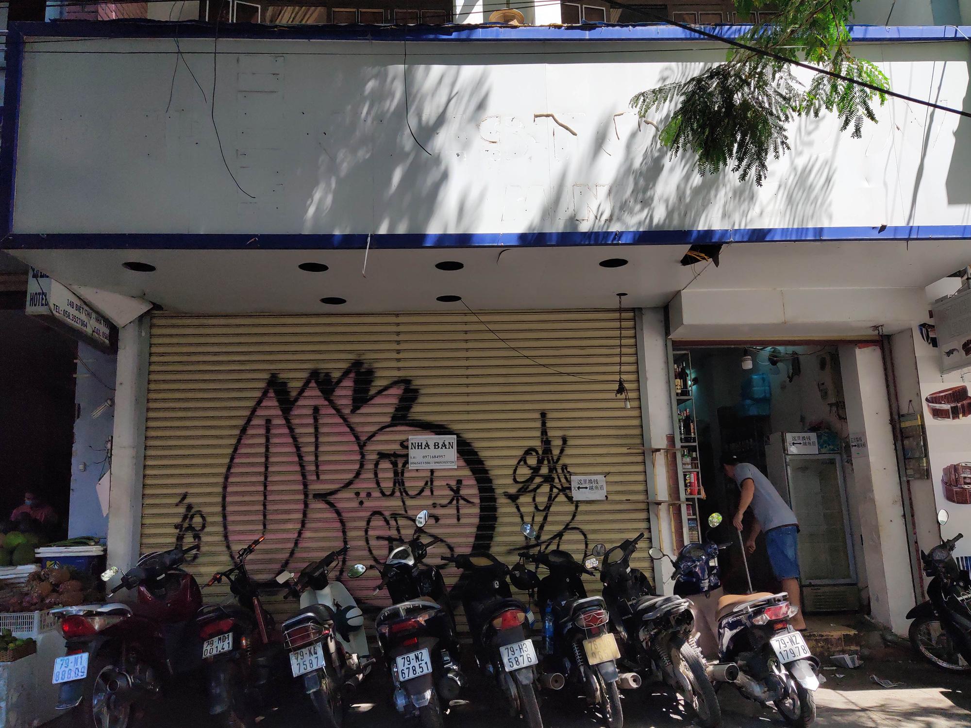 Nha Trang: Hàng loạt khách sạn rao bán, tạm ngừng hoạt động vì Covid-19 - Ảnh 9.