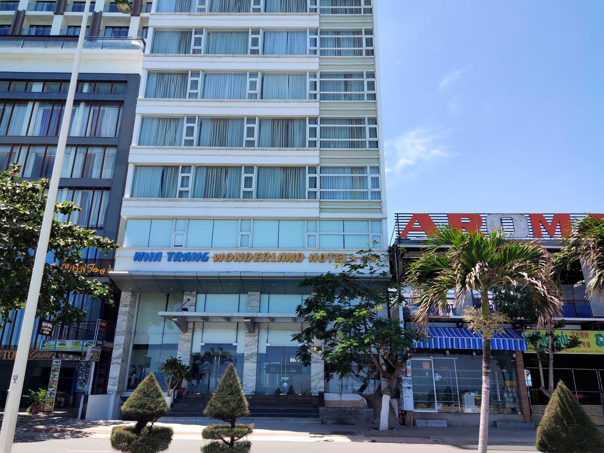 Nha Trang: Hàng loạt khách sạn rao bán, tạm ngừng hoạt động vì Covid-19 - Ảnh 4.