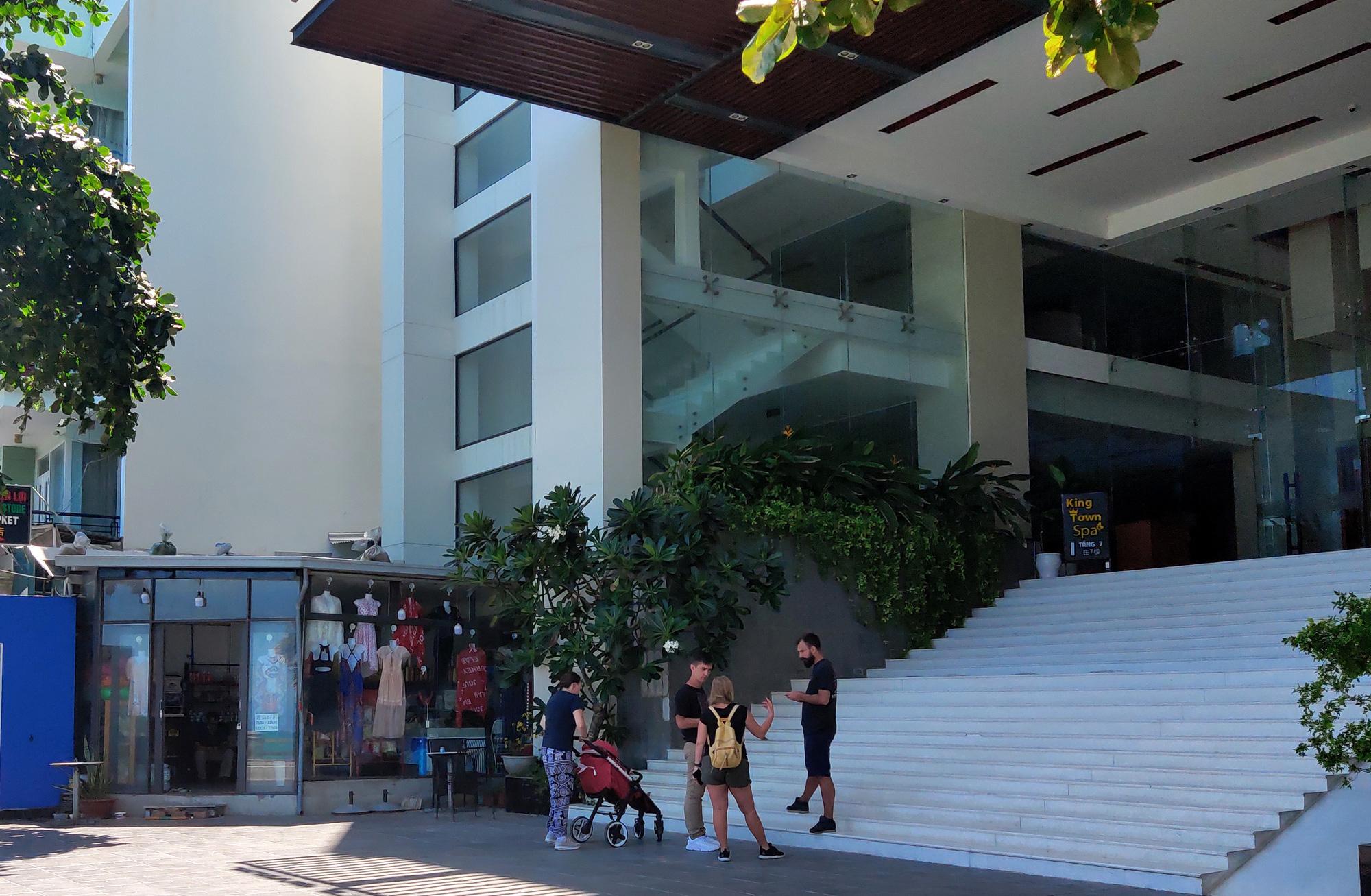Nha Trang: Hàng loạt khách sạn rao bán, tạm ngừng hoạt động vì Covid-19 - Ảnh 12.