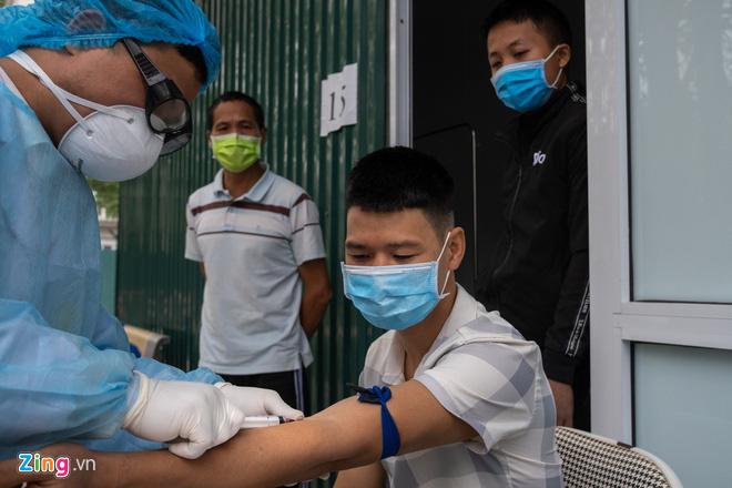Sở Y tế khuyến cáo người dân TP HCM hạn chế ra đường - Ảnh 2.