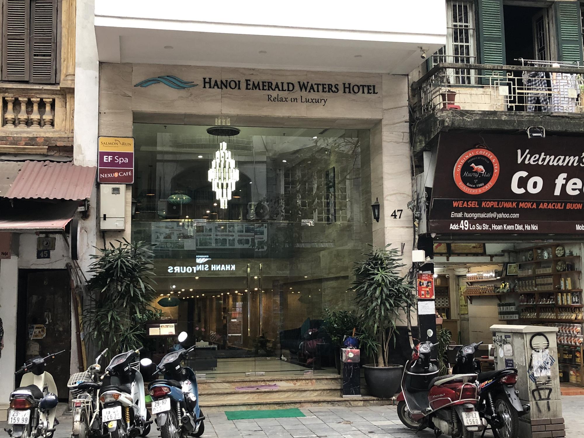 Hàng loạt khách sạn phố cổ Hà Nội đóng cửa, nhiều nơi giảm giá đến 60% để hút khách giữa mùa dịch virus corona - Ảnh 3.