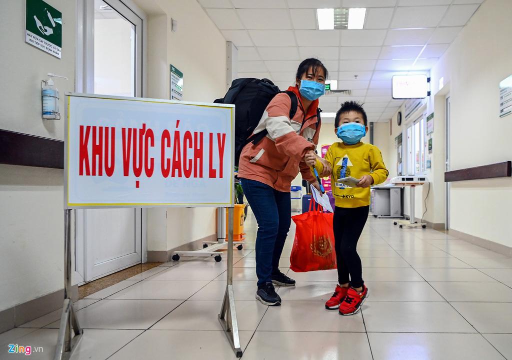 30 công dân Việt Nam trở về từ Vũ Hán được xuất viện - Ảnh 2.
