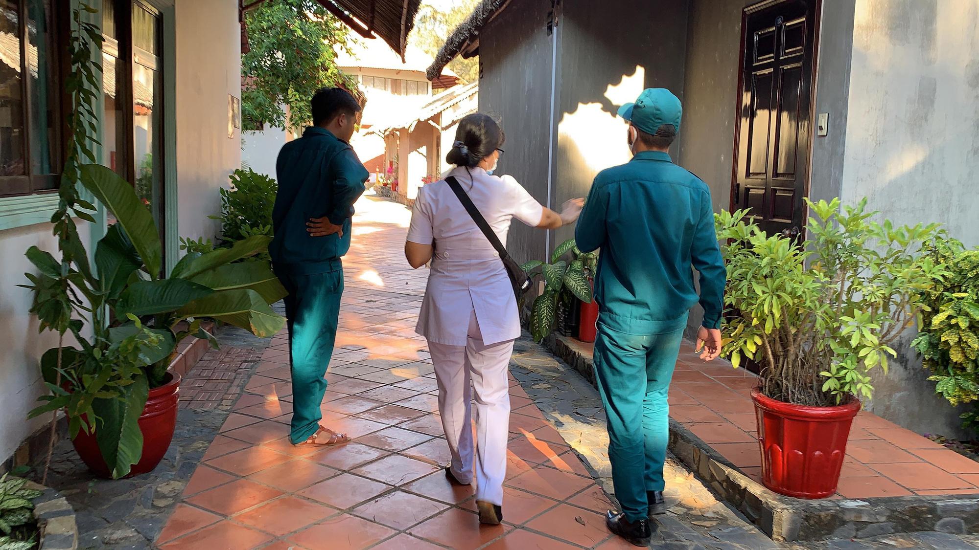 Nhiều người xin được cách li ở resort, khách sạn cao cấp - Ảnh 9.