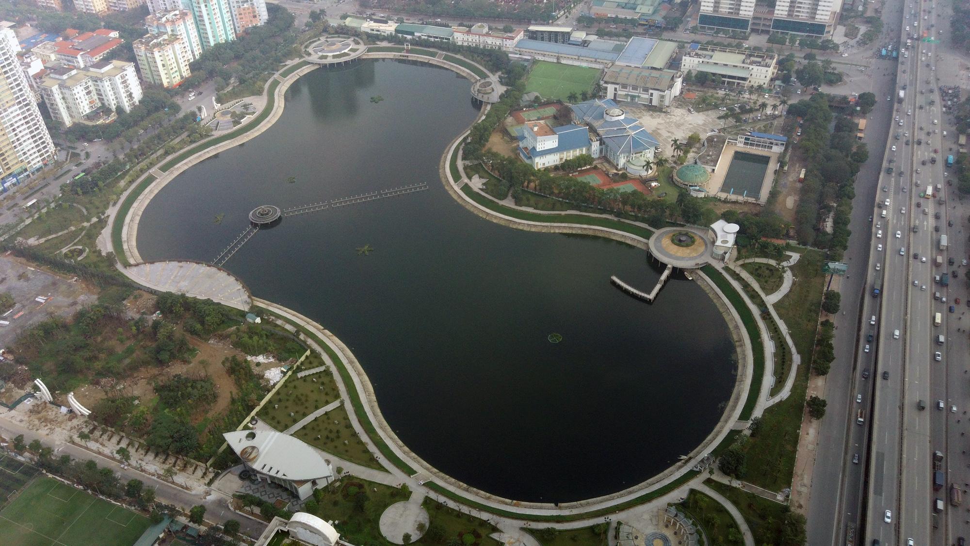 Hà Nội mua 400 tấn Redoxy-3C và dùng gần hết để xử lí hồ ô nhiễm - Ảnh 1.