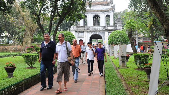 Việt Nam đối xử bình đẳng với du khách nước ngoài trong bối cảnh dịch bệnh virus corona bùng phát - Ảnh 1.