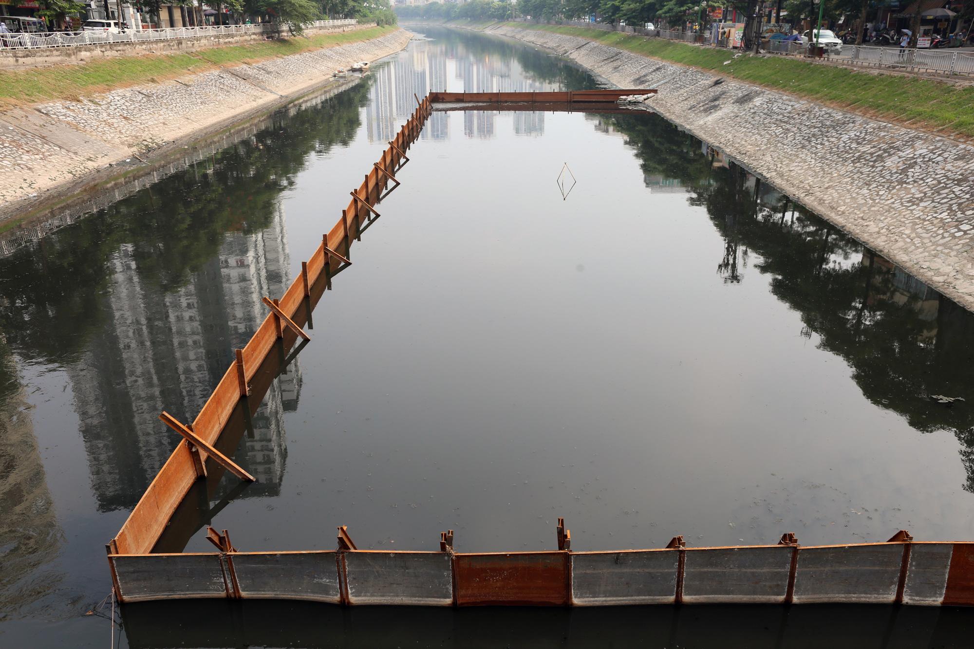 Hà Nội mua 400 tấn Redoxy-3C và dùng gần hết để xử lí hồ ô nhiễm - Ảnh 2.