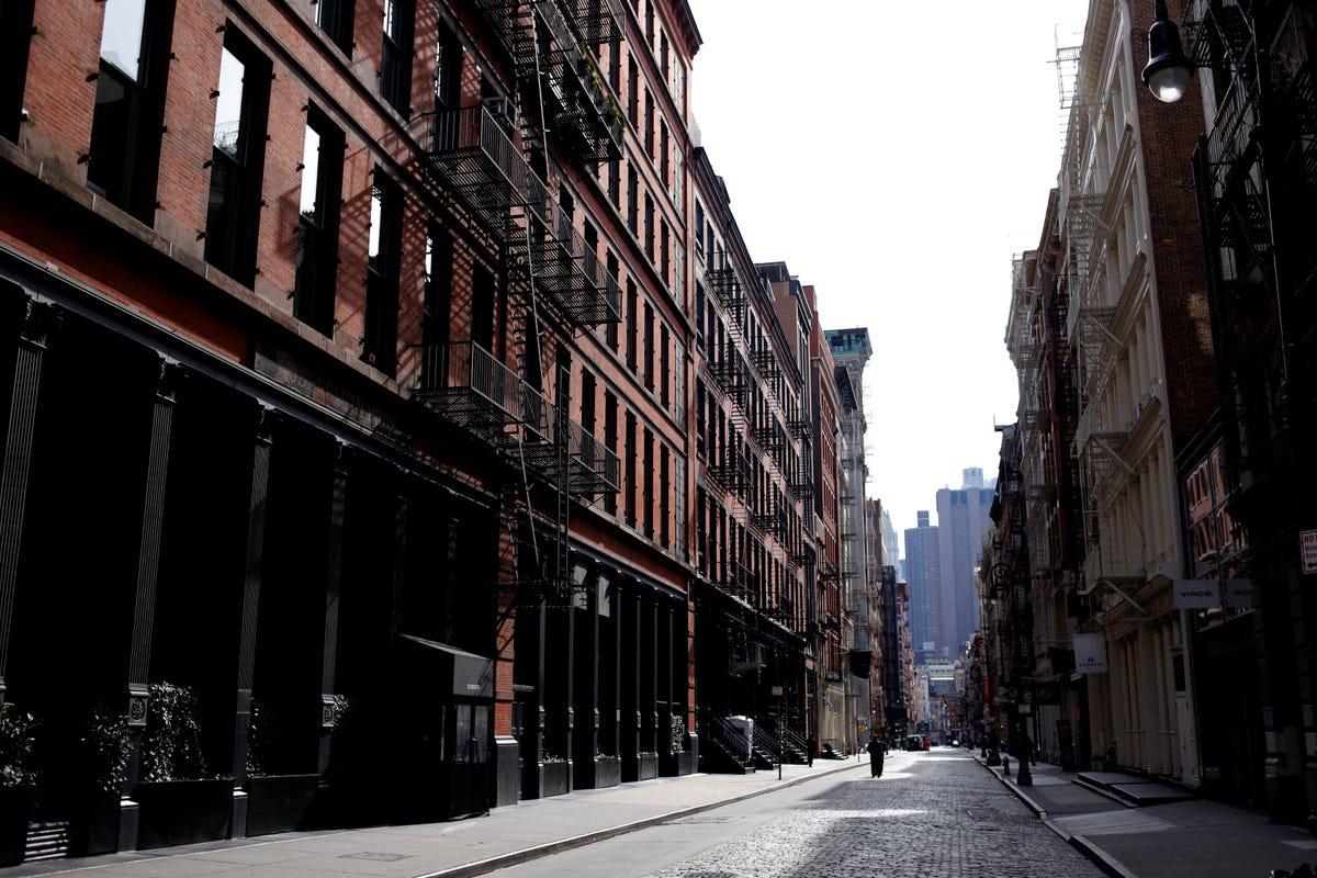 'Thành phố không ngủ' New York đang ngủ yên và ảm đạm vì Covid-19 - Ảnh 6.