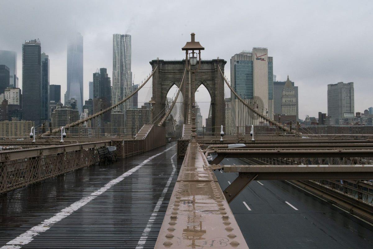 'Thành phố không ngủ' New York đang ngủ yên và ảm đạm vì Covid-19 - Ảnh 9.