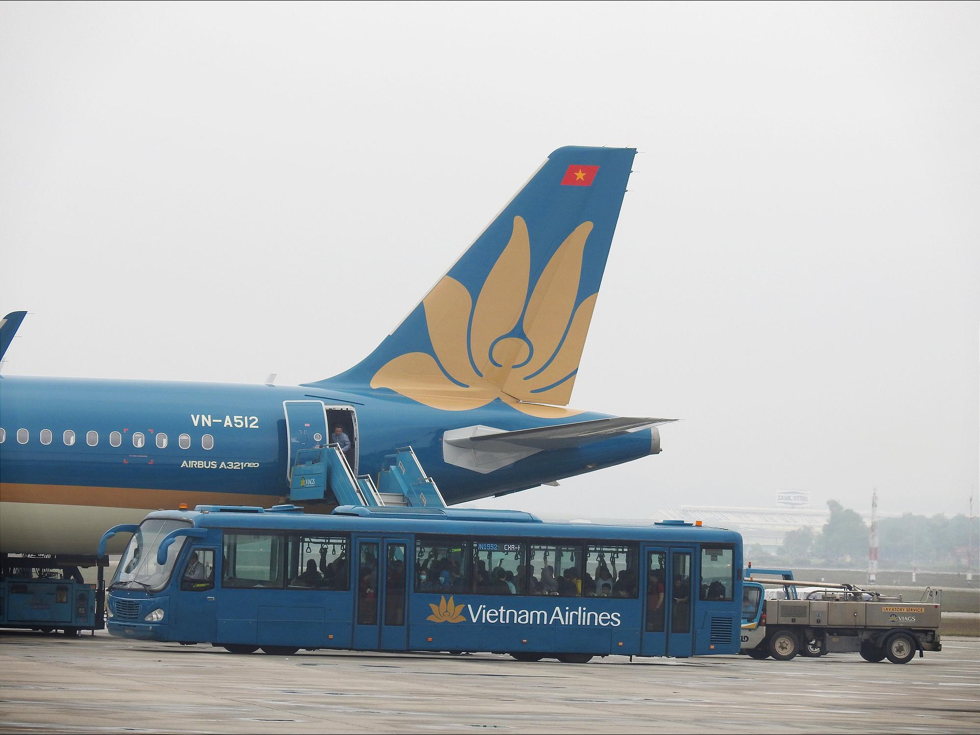 Vietnam Airlines lên tiếng về việc phi công nhiễm COVID-19 - Ảnh 1.