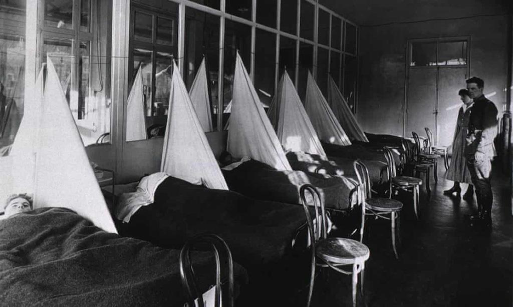 Covid-19 không giống dịch cúm Tây Ban Nha năm 1918 - Ảnh 1.