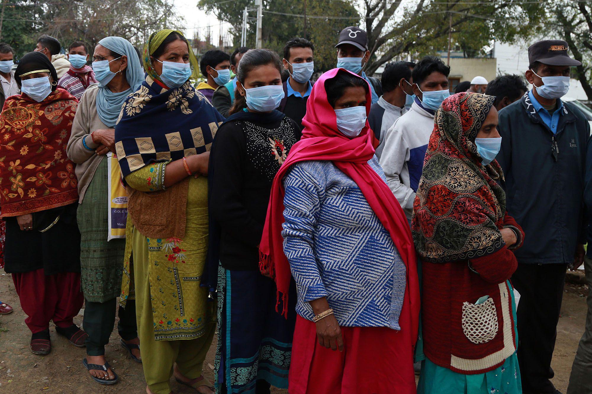 Cập nhật tình hình dịch virus corona ở ASEAN và châu Á ngày 22/3: Số ca nhiễm virus corona ngoại nhập ở Trung Quốc tăng mạnh, Thái Lan tăng kỉ lục số ca nhiễm - Ảnh 2.