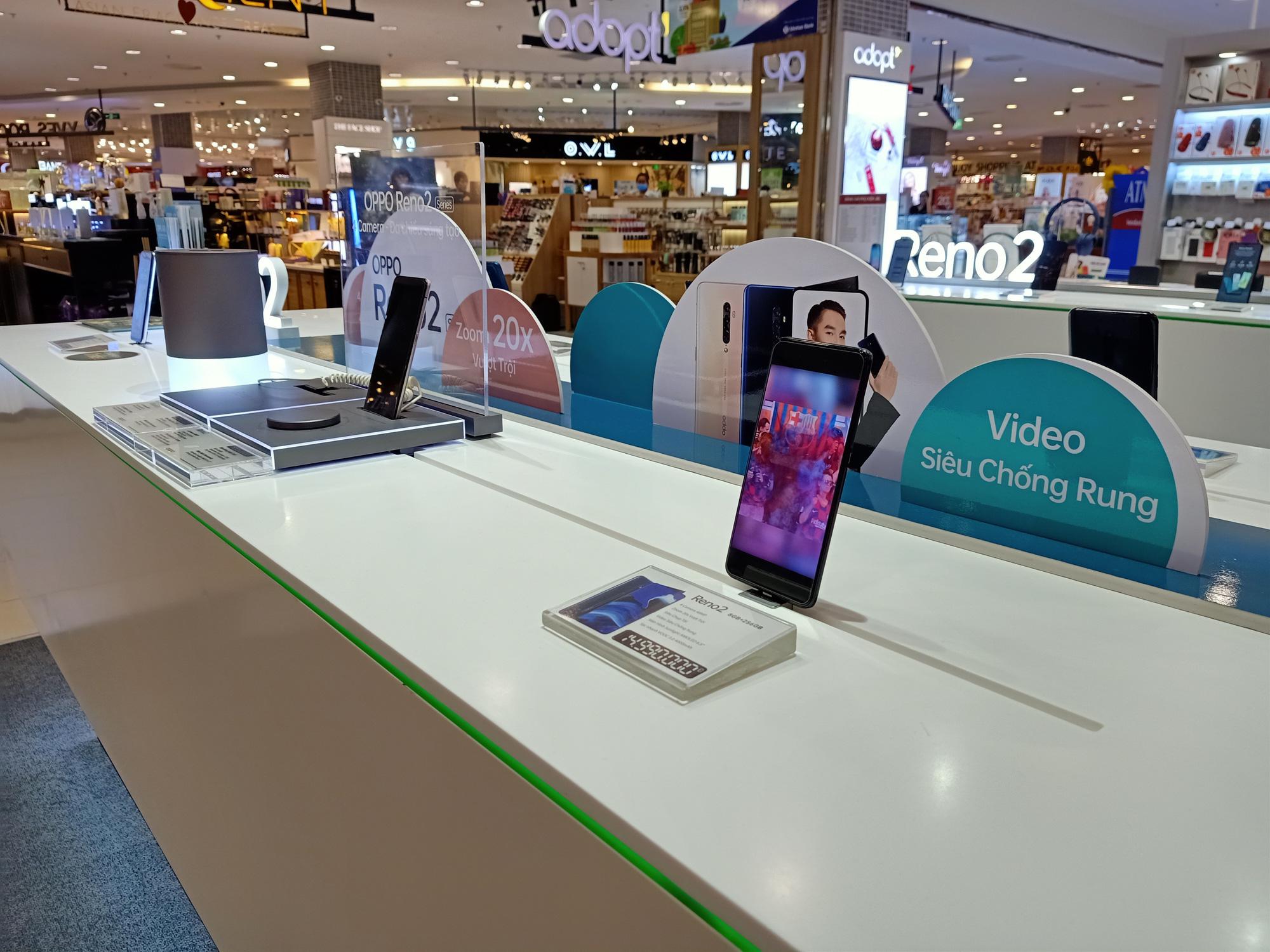 Điện thoại giảm giá tuần này: iPhone tiếp tục giảm nhẹ, Android tưng bừng khuyến mãi - Ảnh 3.