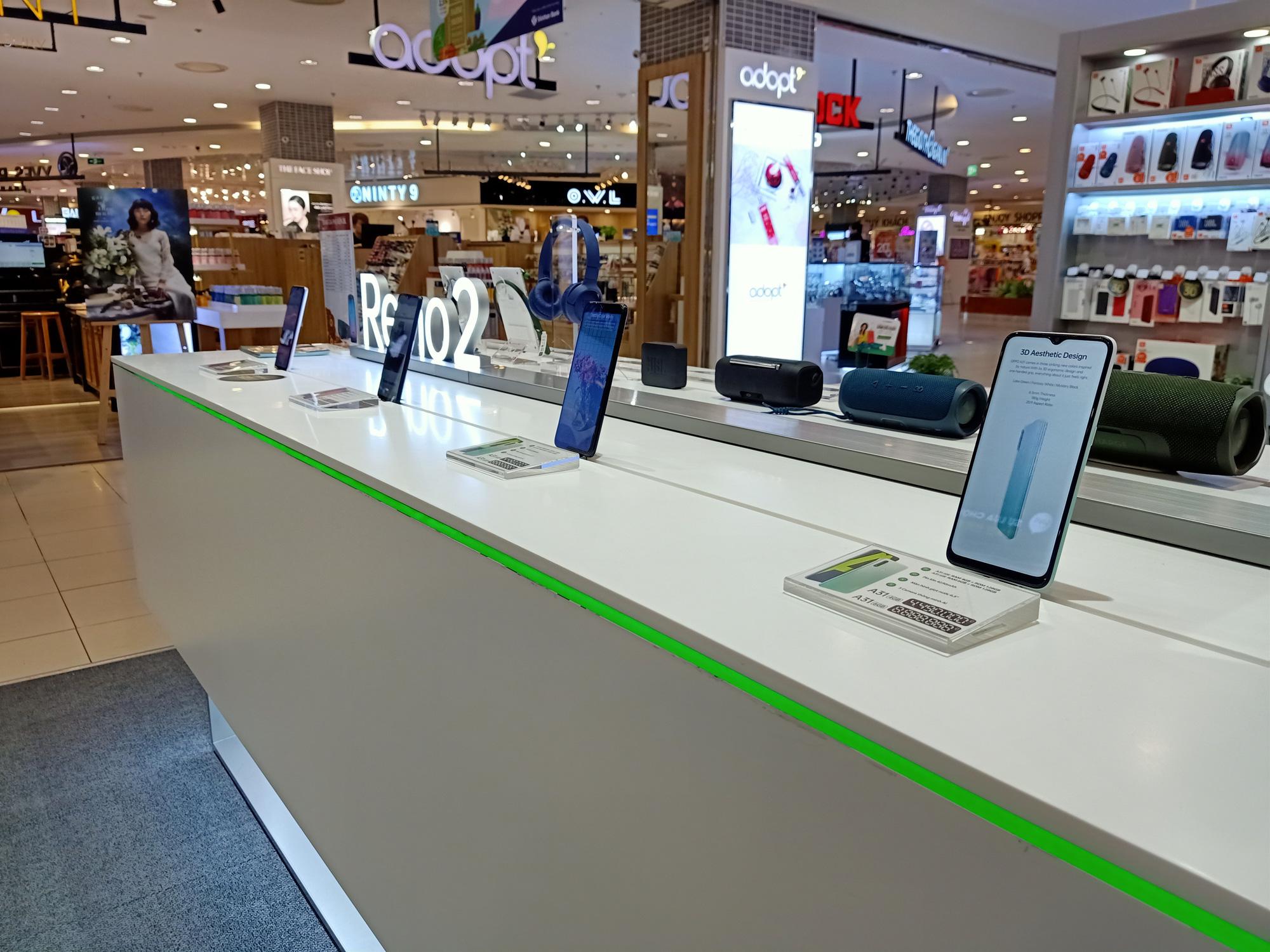 Điện thoại giảm giá tuần này: iPhone tiếp tục giảm nhẹ, Android tưng bừng khuyến mãi - Ảnh 4.