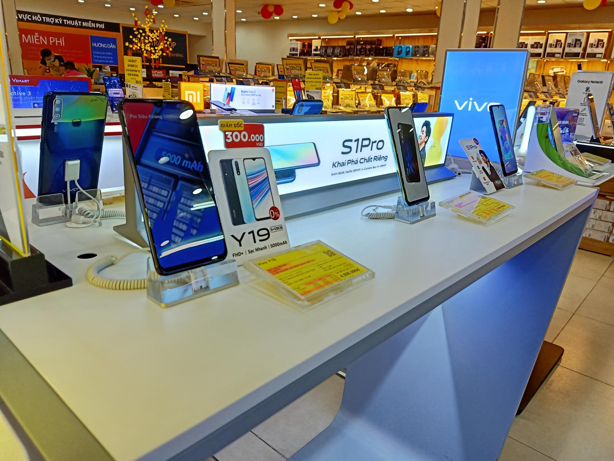 Điện thoại giảm giá tuần này: iPhone tiếp tục giảm nhẹ, Android tưng bừng khuyến mãi - Ảnh 5.