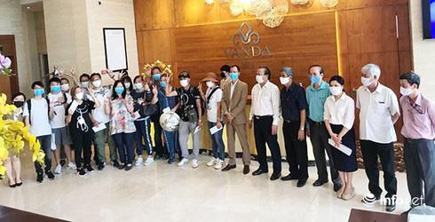 Đà Nẵng: Khách nước ngoài vỡ òa niềm vui hoàn thành 2 tuần cách li tại KS Vanda - Ảnh 2.