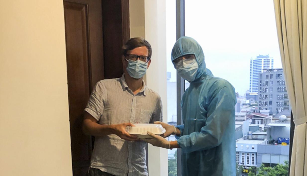 Đà Nẵng chọn 3 khách sạn cách li tập trung người nước ngoài - Ảnh 1.