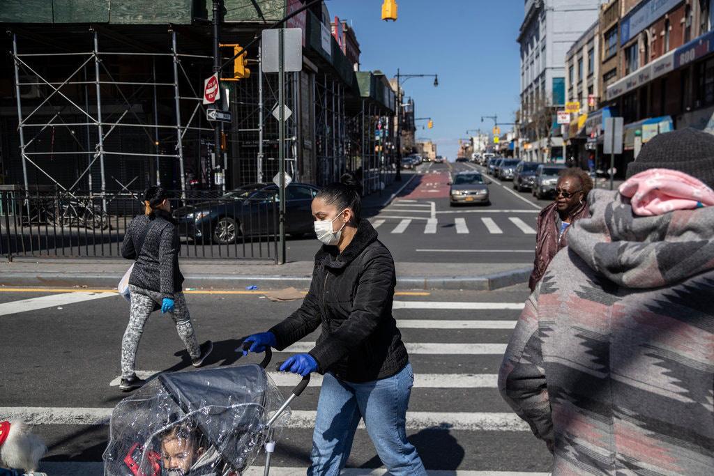 Hơn 15.000 ca nhiễm, New York trở thành tâm điểm mới của đại dịch - Ảnh 2.