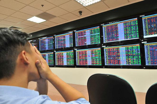 VN-Index mất tiếp 43 điểm, vốn hoá thị trường chứng khoán Việt bị thổi bay 10 tỉ USD - Ảnh 1.