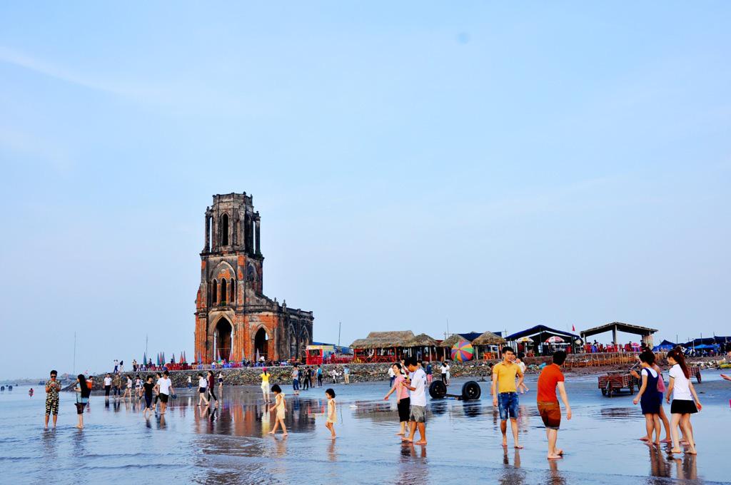 Hà Nội tạm thời đóng cửa Phố sách, Nam Định và Hưng Yên tạm dừng các hoạt động văn hóa, thể thao, du lịch - Ảnh 2.