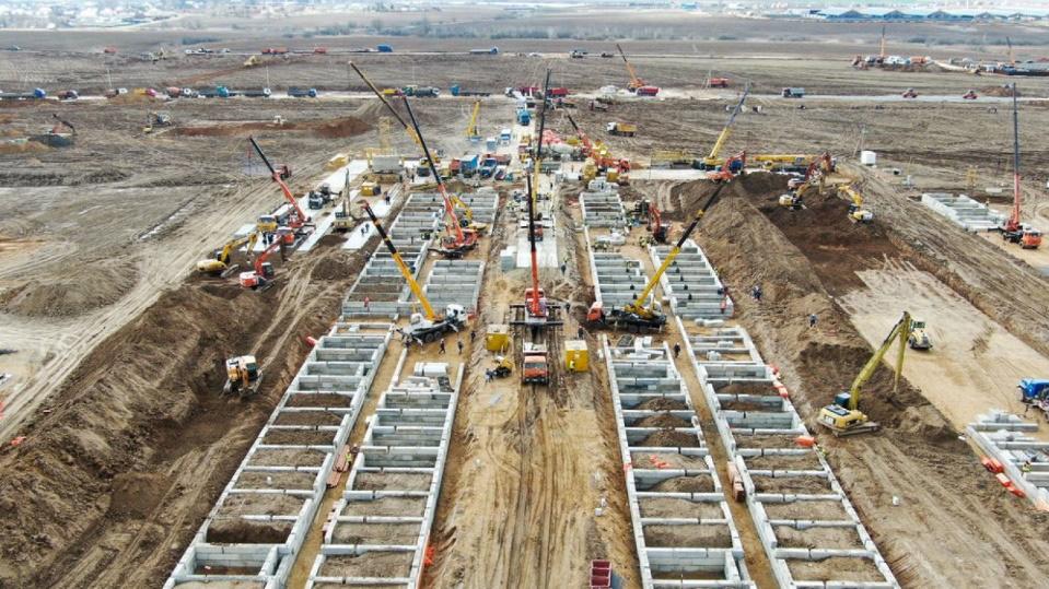 Nga xây dựng bệnh viện dã chiến giống mô hình Trung Quốc để đối phó dịch Covid-19 - Ảnh 1.