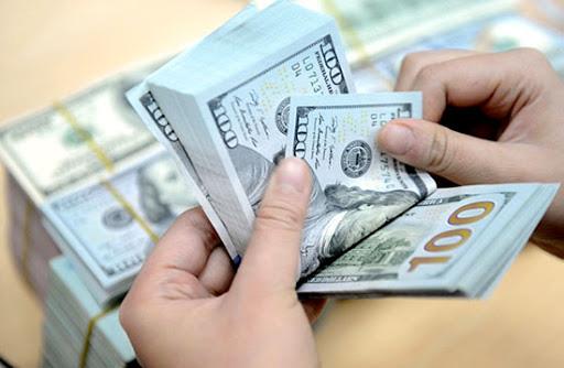 Ngân hàng Nhà nước chính thức can thiệp thị trường ngoại tệ, bán USD giá rẻ như cam kết - Ảnh 1.