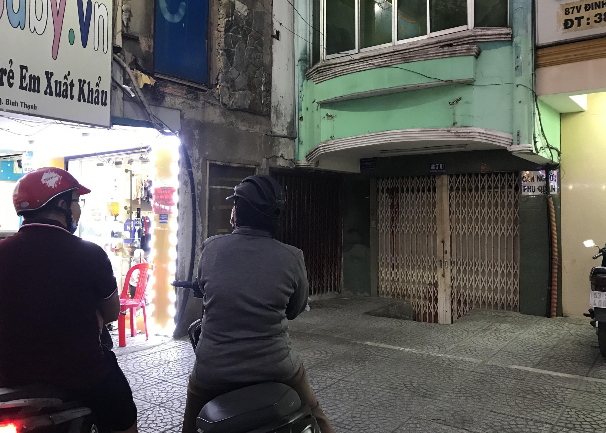 Nhà hàng, quán ăn Sài Gòn vội vàng đóng cửa phòng Covid-19 sau quyết định của UBND TP - Ảnh 6.