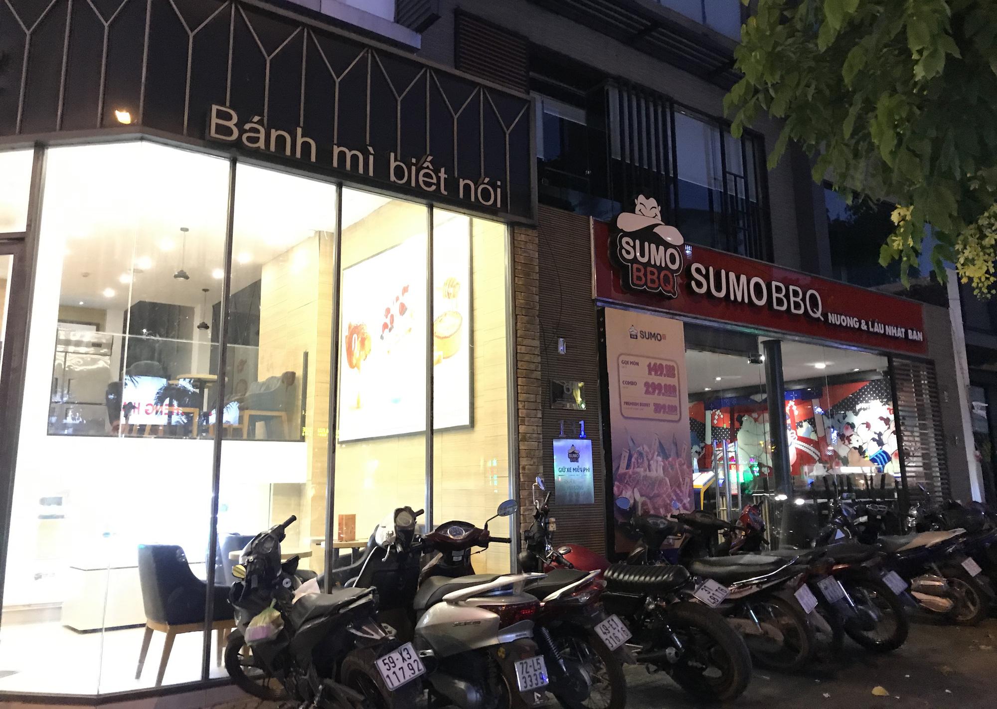 Nhà hàng, quán ăn Sài Gòn vội vàng đóng cửa phòng Covid-19 sau quyết định của UBND TP - Ảnh 8.