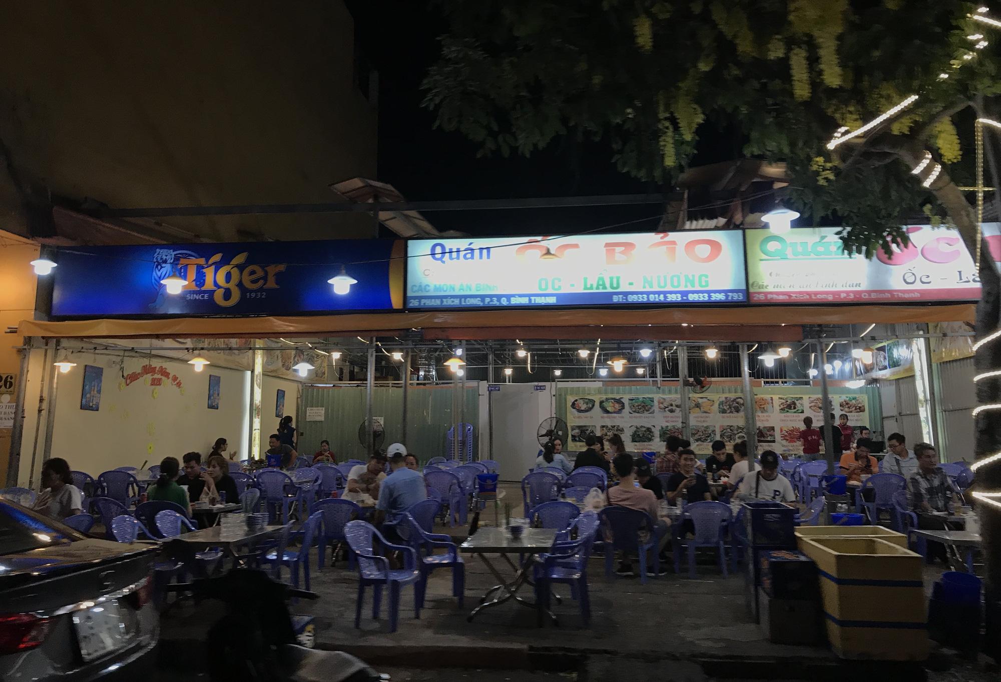 Nhà hàng, quán ăn Sài Gòn vội vàng đóng cửa sau quyết định khẩn chống dịch Covid-19 - Ảnh 13.
