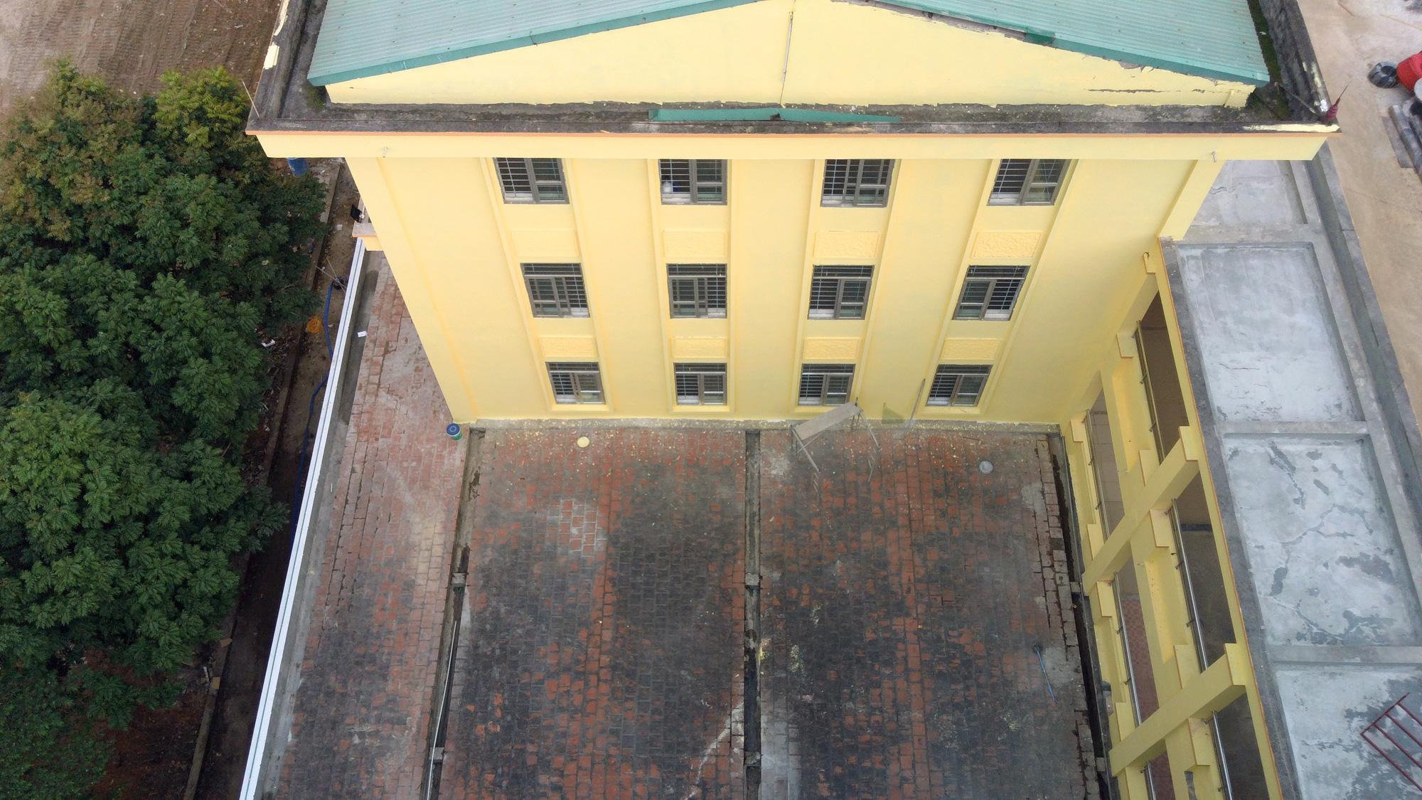 Hà Nội sửa xong bệnh viện bỏ hoang ở Mê Linh làm khu cách li chống dịch Covid-19 - Ảnh 11.