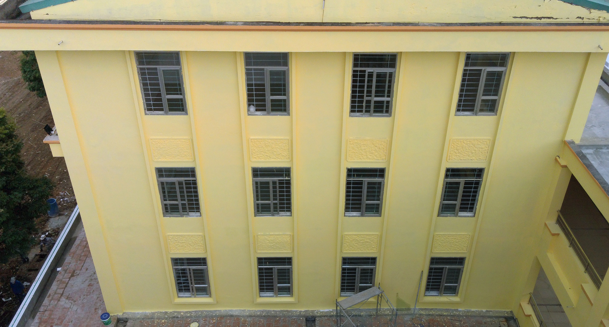 Hà Nội sửa xong bệnh viện bỏ hoang ở Mê Linh làm khu cách li chống dịch Covid-19 - Ảnh 12.