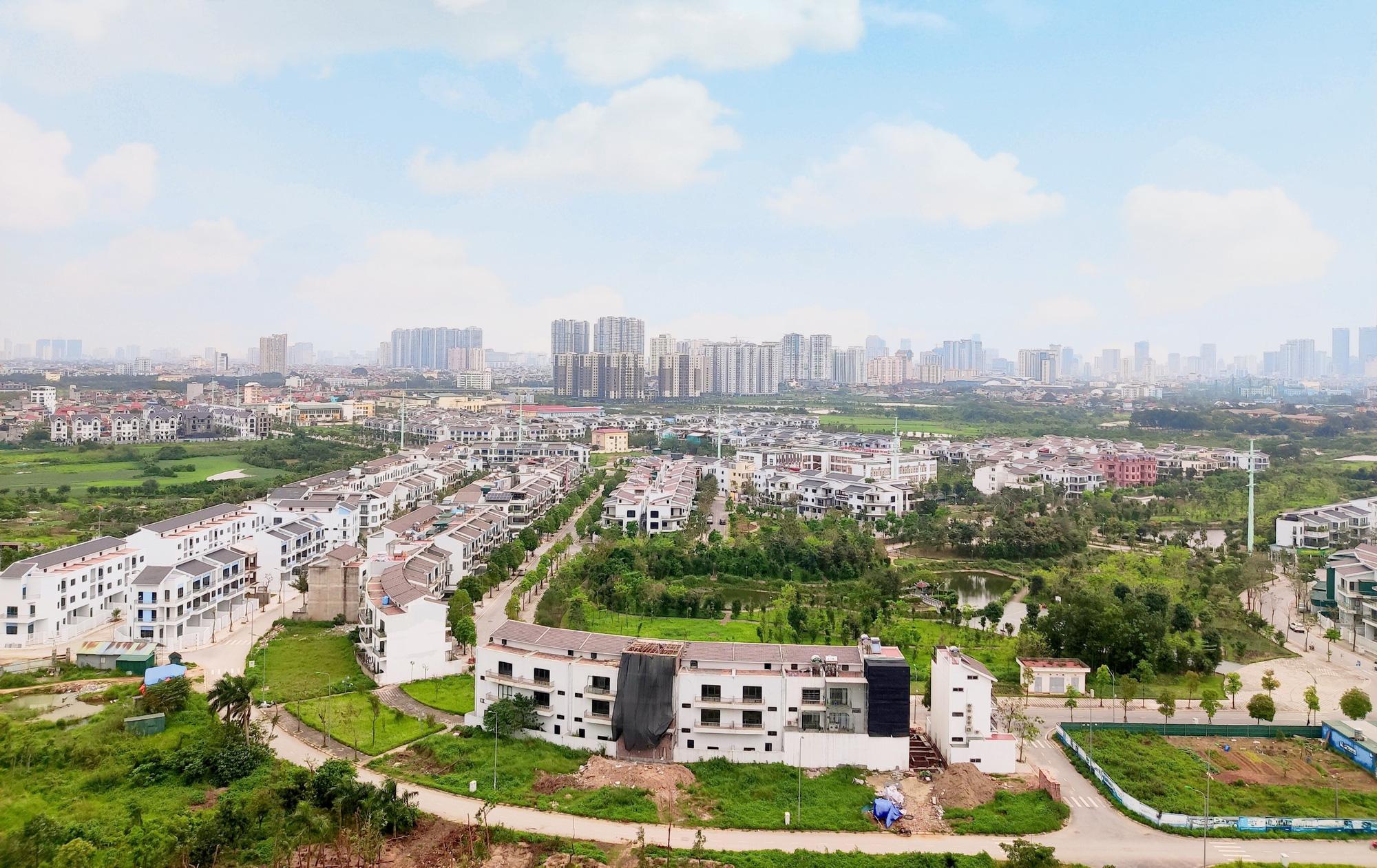 VNREA xin gia hạn nộp thuế cho doanh nghiệp địa ốc đang lao đao vì Covid-19 - Ảnh 1.