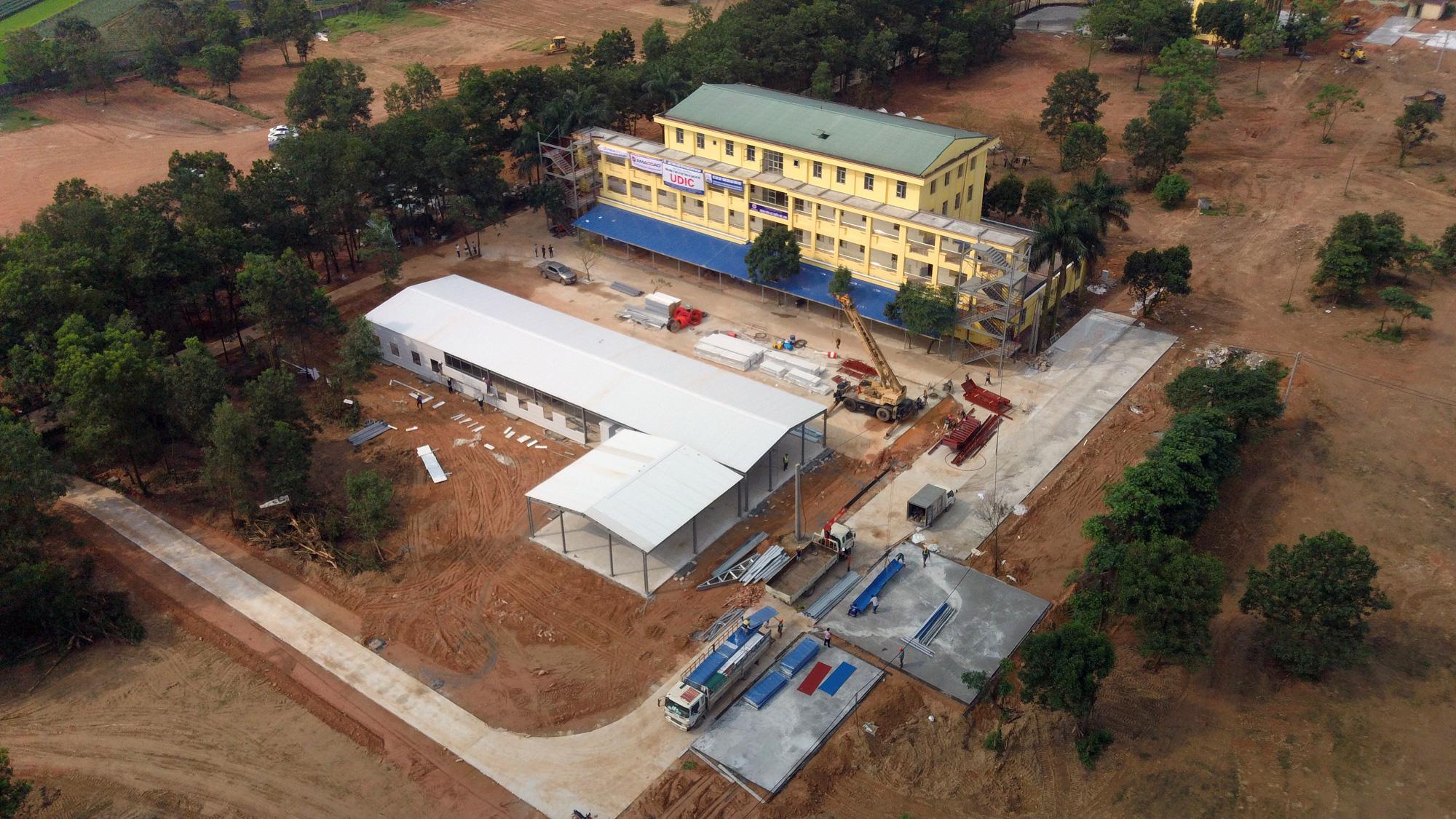 Hà Nội sửa xong bệnh viện bỏ hoang ở Mê Linh làm khu cách li chống dịch Covid-19 - Ảnh 3.