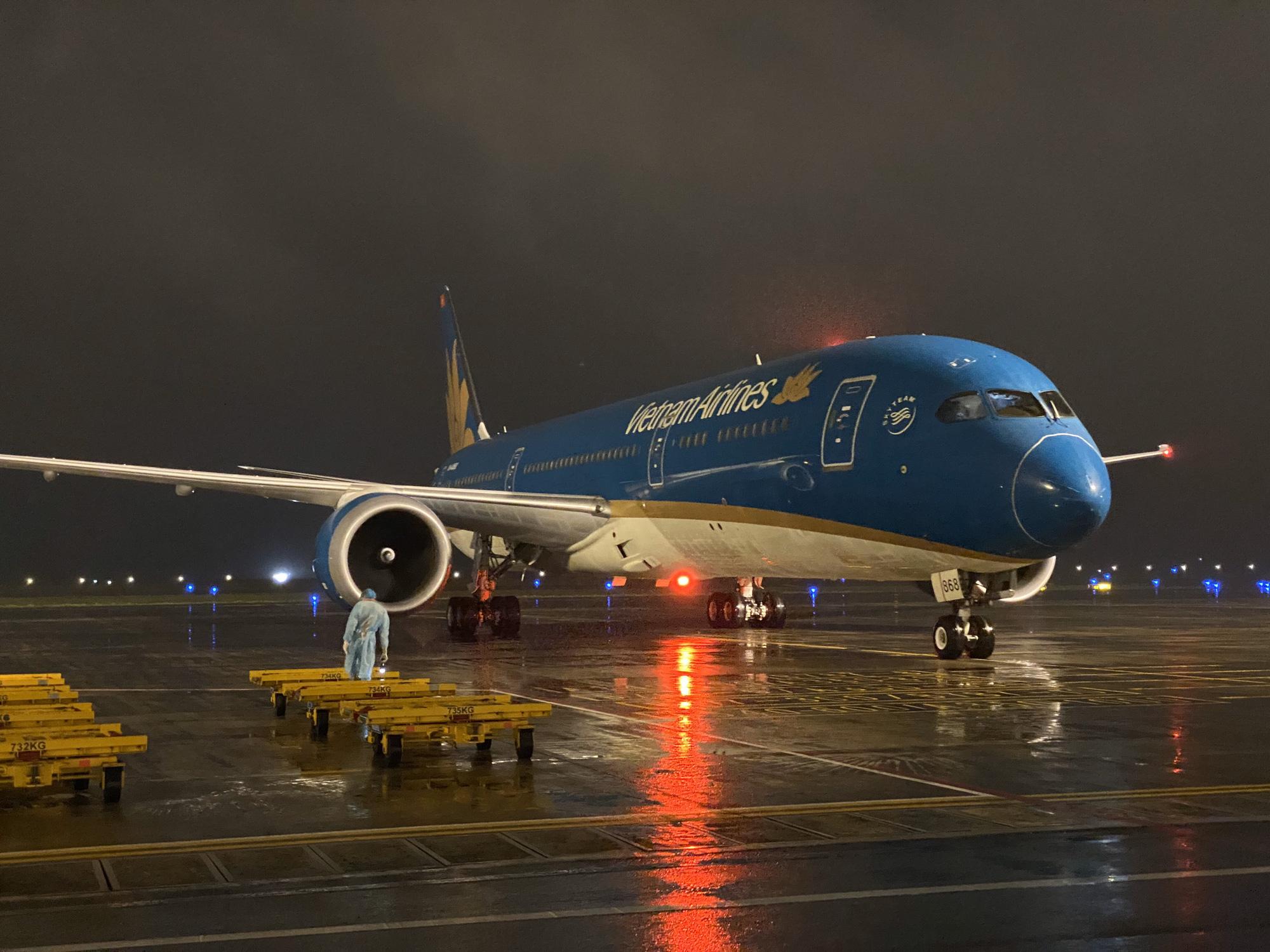 Các hãng hàng không Việt chính thức dừng bay quốc tế từ hôm nay, 25/3 - Ảnh 1.