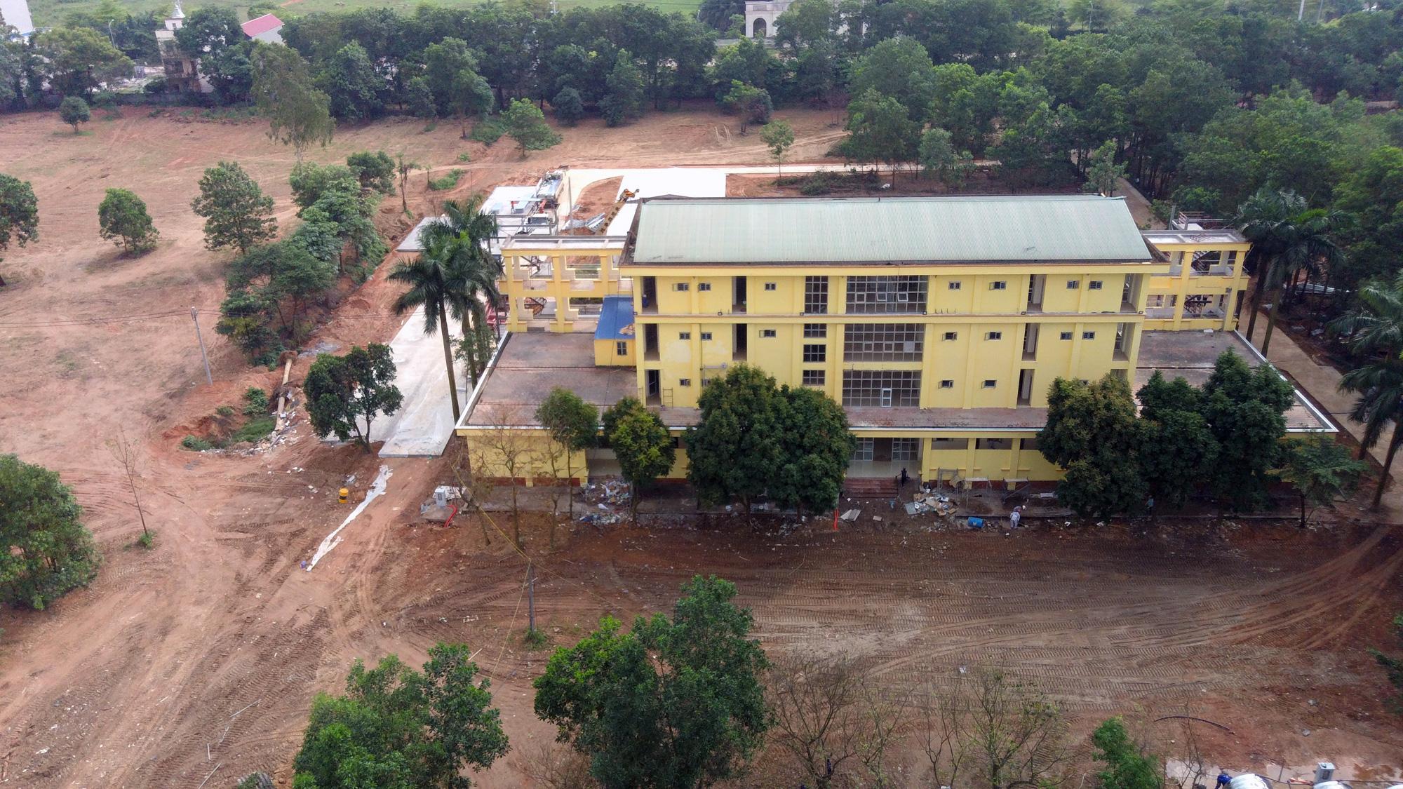 Hà Nội sửa xong bệnh viện bỏ hoang ở Mê Linh làm khu cách li chống dịch Covid-19 - Ảnh 8.