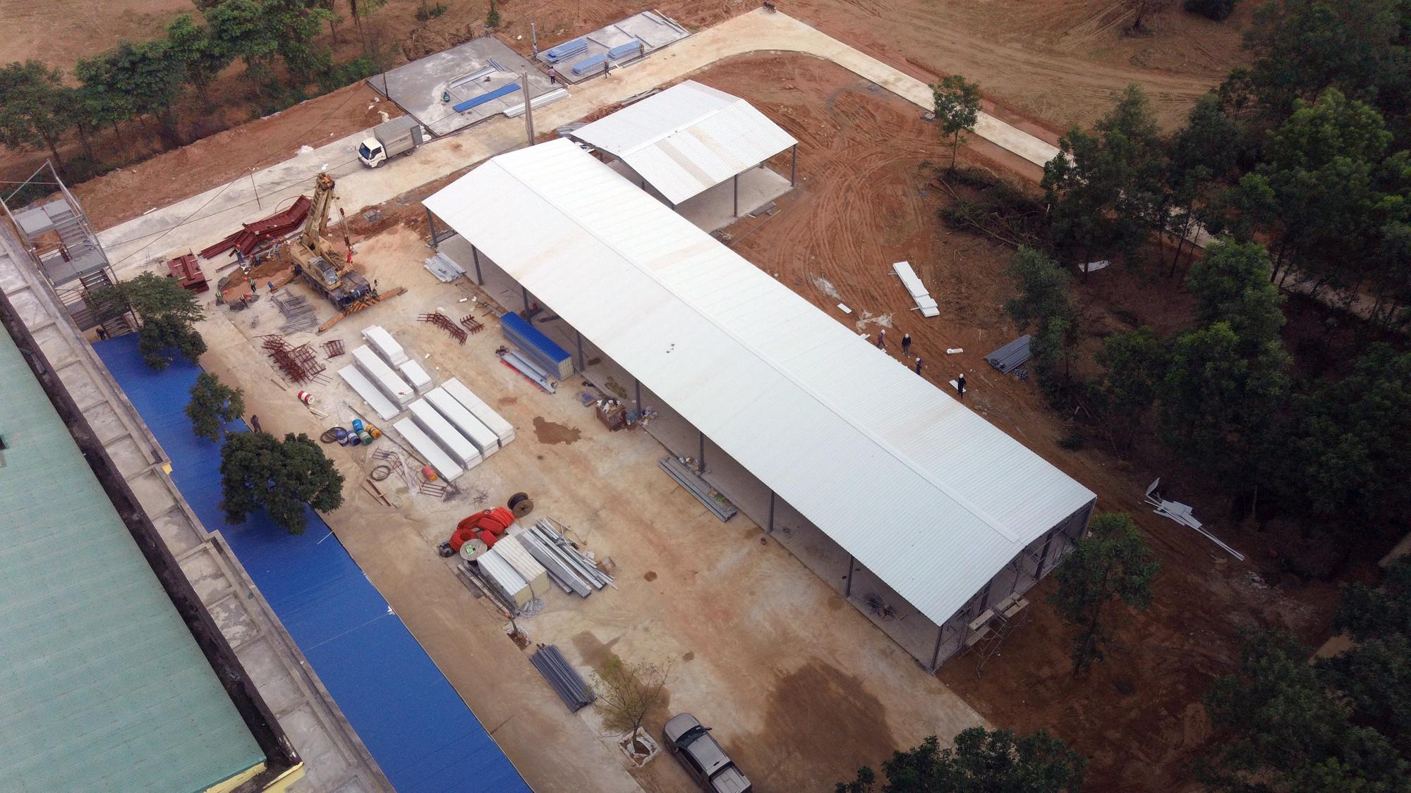 Hà Nội sửa xong bệnh viện bỏ hoang ở Mê Linh làm khu cách li chống dịch Covid-19 - Ảnh 9.