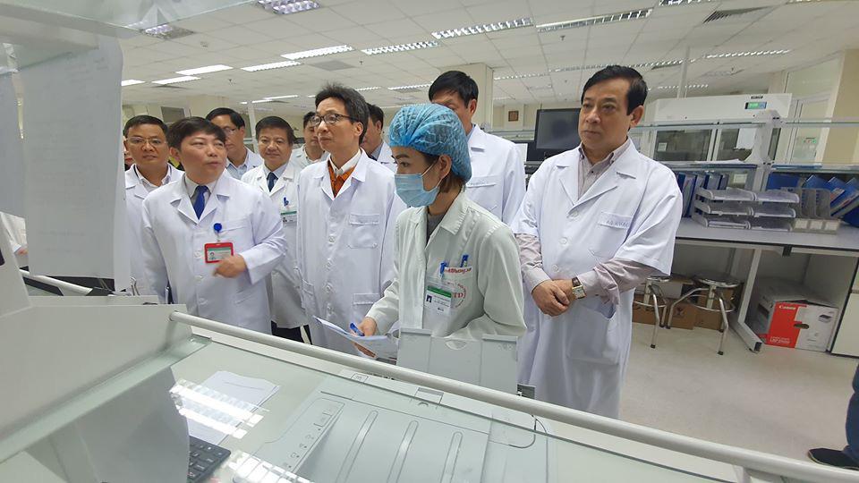 Thêm một bác sĩ bị lây nhiễm chéo, tổng số ca mắc Covid-19 tại Việt Nam tăng lên 141. - Ảnh 1.