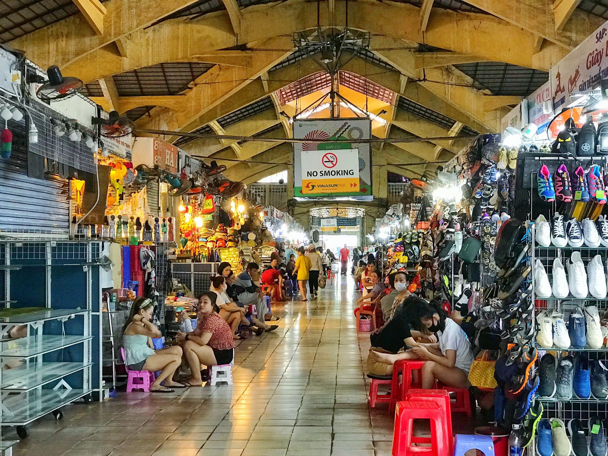Các điểm du lịch tại TP.HCM vắng hoàn toàn sau quyết định dừng nhập cảnh người nước ngoài vào Việt Nam - Ảnh 5.