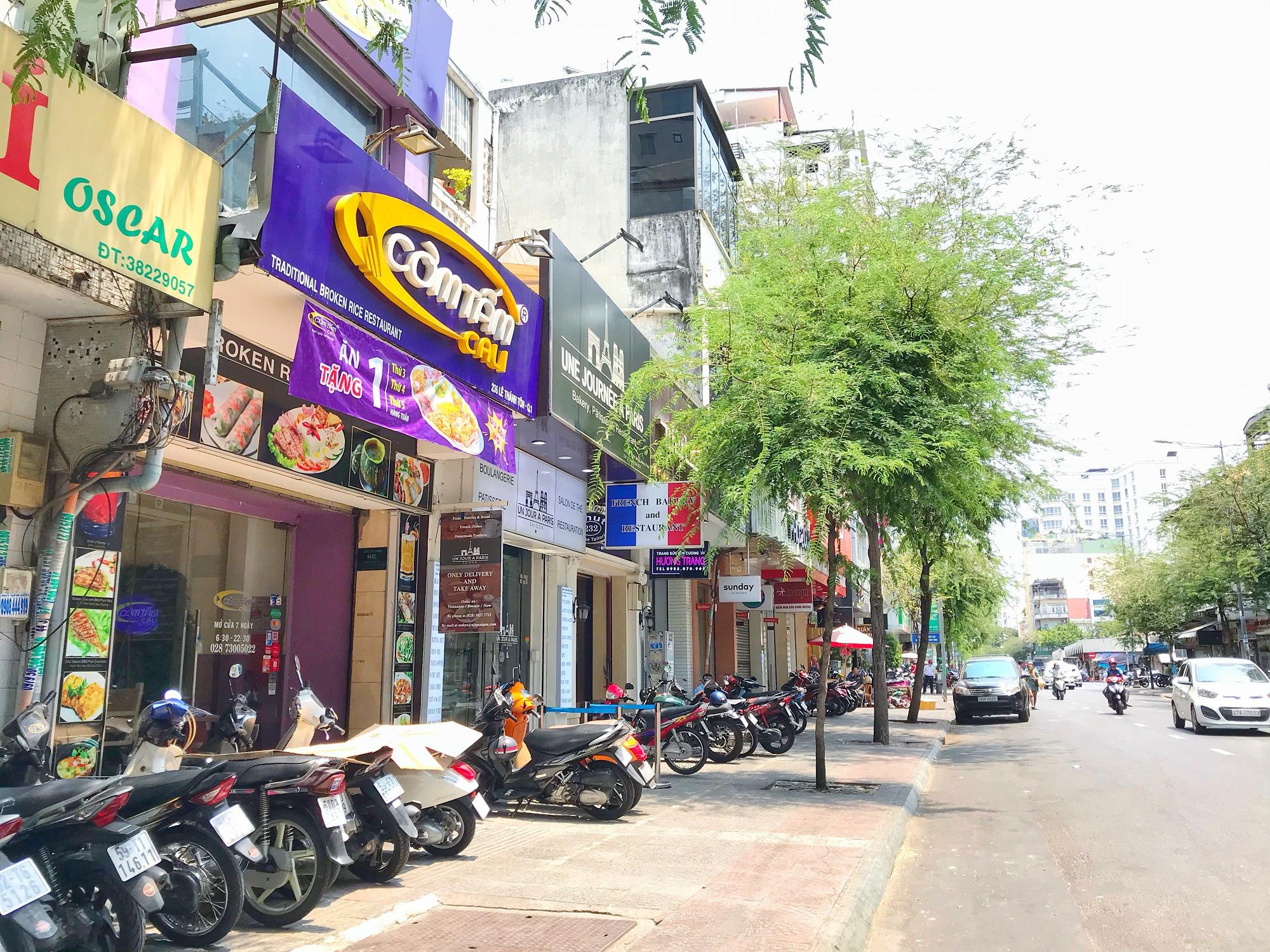 Các điểm du lịch tại TP.HCM vắng hoàn toàn sau quyết định dừng nhập cảnh người nước ngoài vào Việt Nam - Ảnh 6.