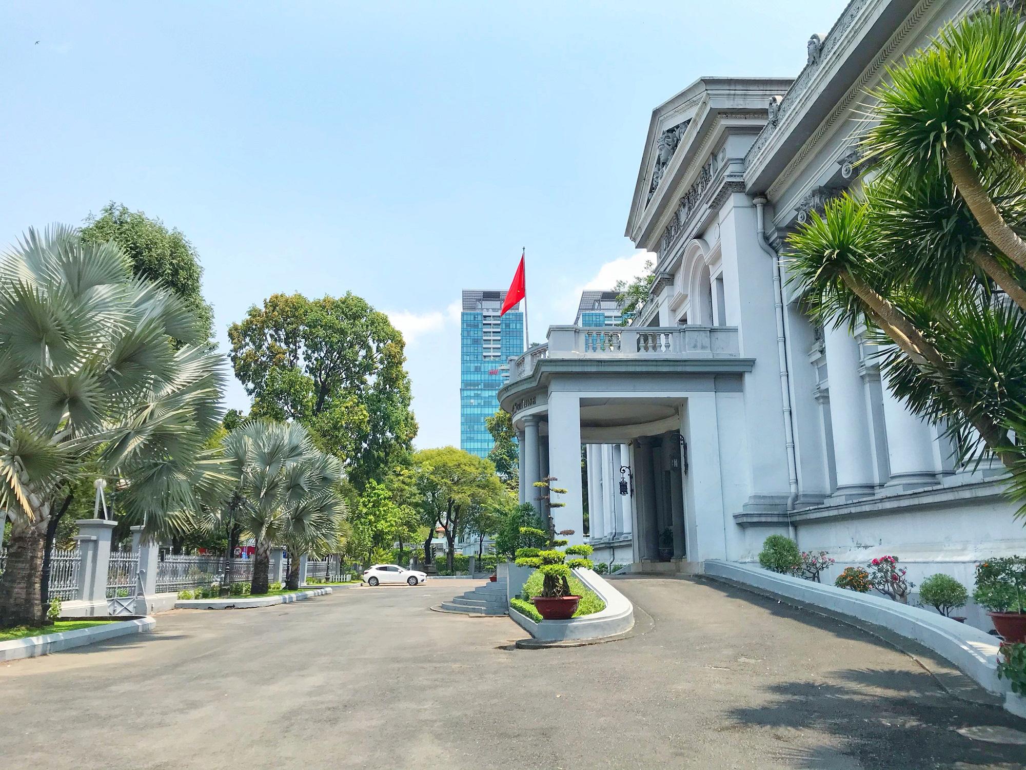 Các điểm du lịch tại TP.HCM vắng hoàn toàn sau quyết định dừng nhập cảnh người nước ngoài vào Việt Nam - Ảnh 8.
