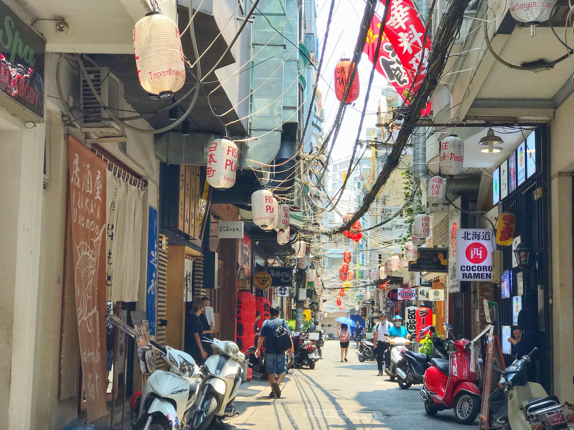 Các điểm du lịch tại TP.HCM vắng hoàn toàn sau quyết định dừng nhập cảnh người nước ngoài vào Việt Nam - Ảnh 15.