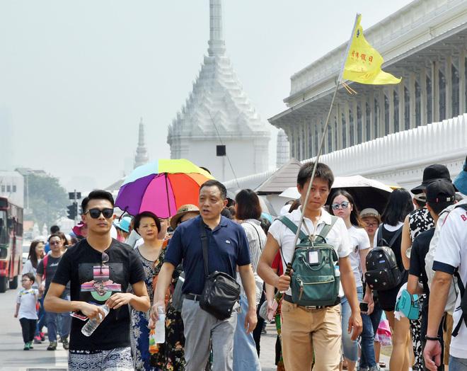 Thái Lan chuẩn bị đón khách Trung Quốc trở lại sau cao điểm dịch corona - Ảnh 1.
