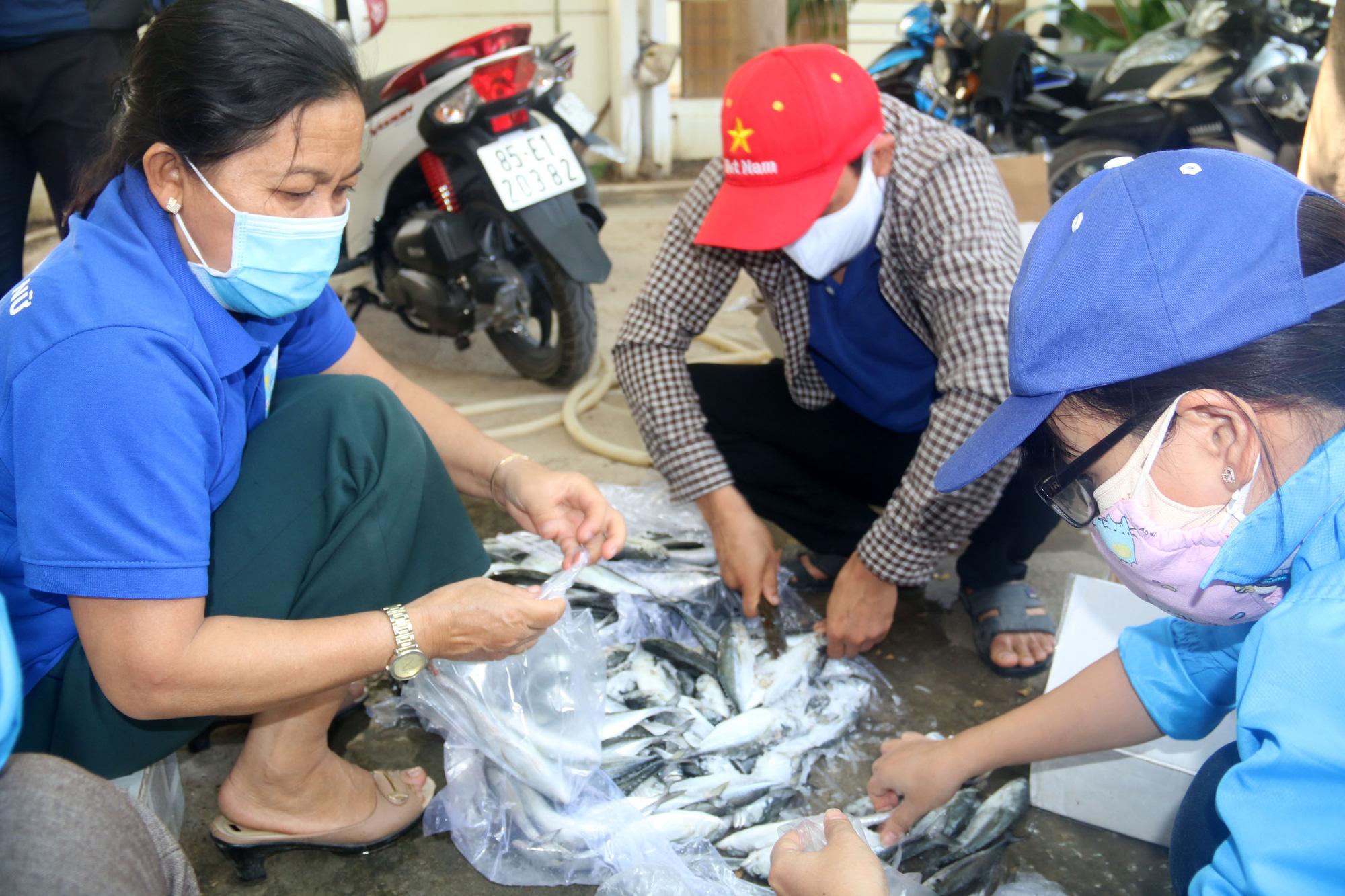 Ninh Thuận: Hơn 5.000 người dân đang cách li tại thôn Văn Lâm 3 được phục vụ chu đáo  - Ảnh 5.