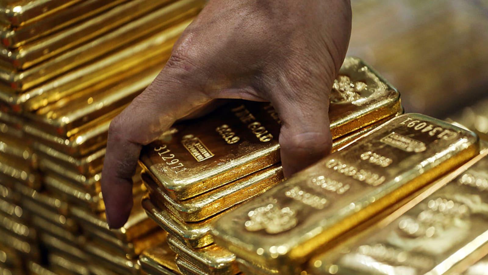 Giới nhà giàu chật vật gom vàng thỏi trong mùa dịch Covid-19 - Ảnh 2.