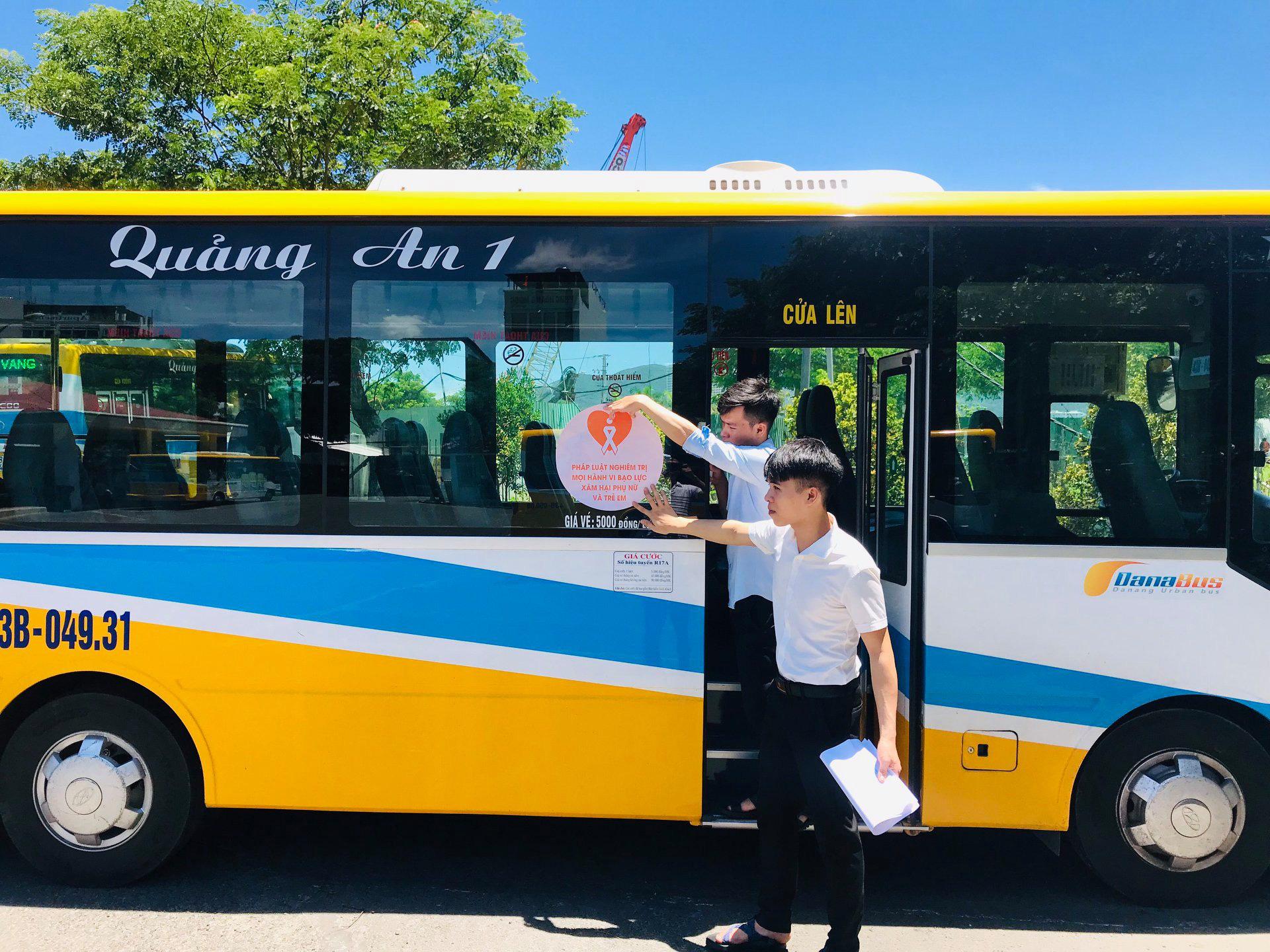 Đà Nẵng dừng tất cả tuyến xe buýt để phòng chống dịch Covid-19 - Ảnh 1.