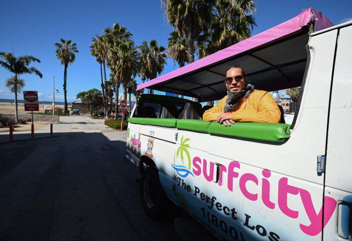 Hướng dẫn viên Mỹ làm tour du lịch trực tuyến giữa mùa dịch corona - Ảnh 1.