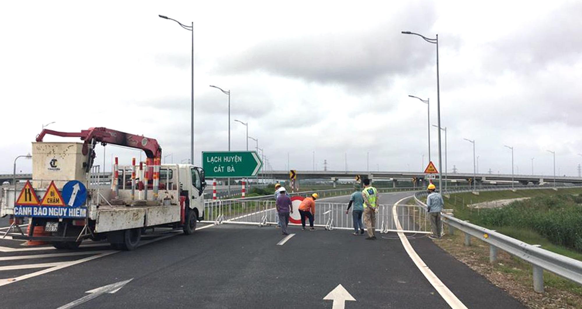Đóng lối ra cao tốc Hà Nội - Hải Phòng về cầu Tân Vũ - Lạch Huyện phục vụ kiểm dịch Covid-19 - Ảnh 1.