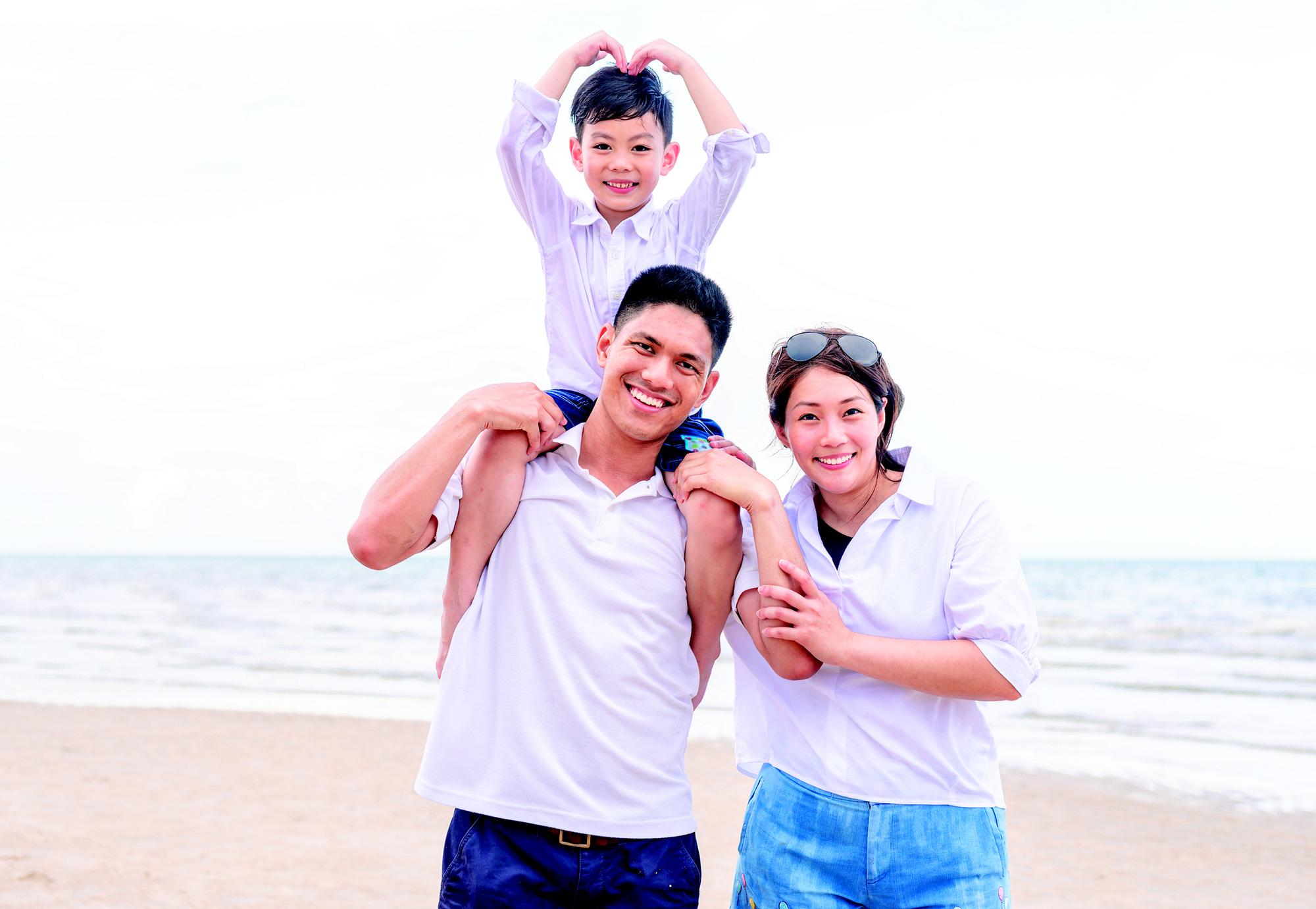 Dạy con thực hành quản lý tài chính thông qua bảo hiểm nhân thọ đang là xu hướng được nhiều cha mẹ quan tâm. (Ảnh: BVNT).