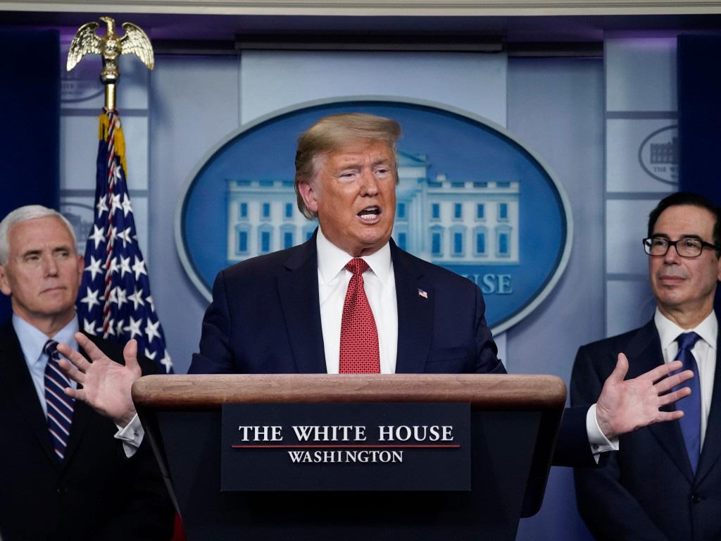 Mỹ là quốc gia đầu tiên có 100.000 trường hợp nhiễm Covid-19, ông Trump ban hành Đạo Luật Sản xuất Quốc phòng - Ảnh 2.